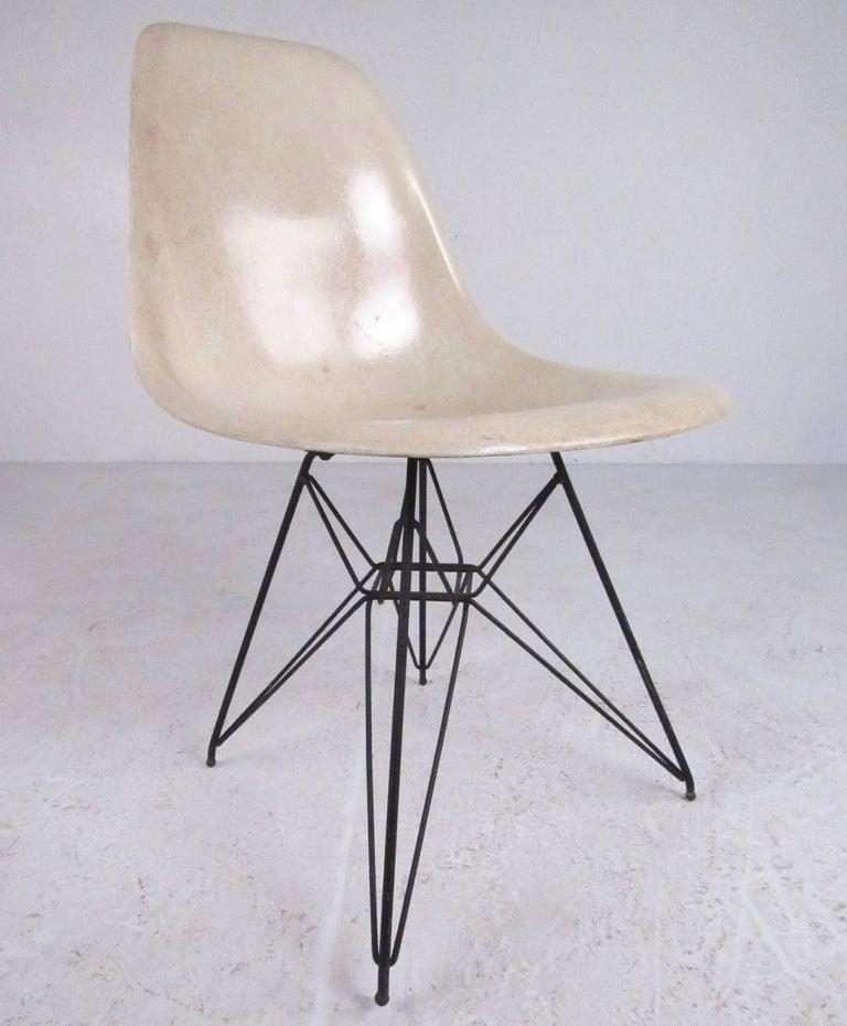 Charles eames eiffel tower fiberglass side chairs for for Eiffel chair de charles eames