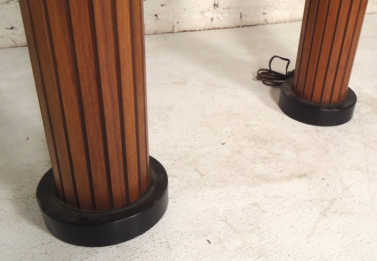 Pair of Mid-Century Modern Table Lamps For Sale 2