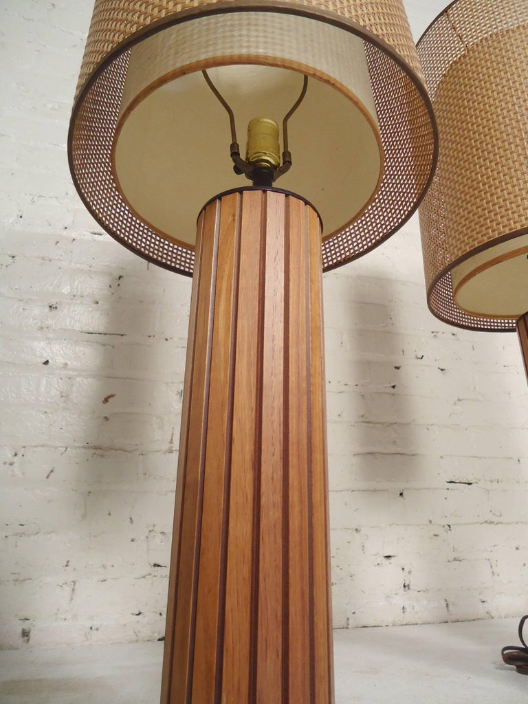 Pair of Mid-Century Modern Table Lamps For Sale 1