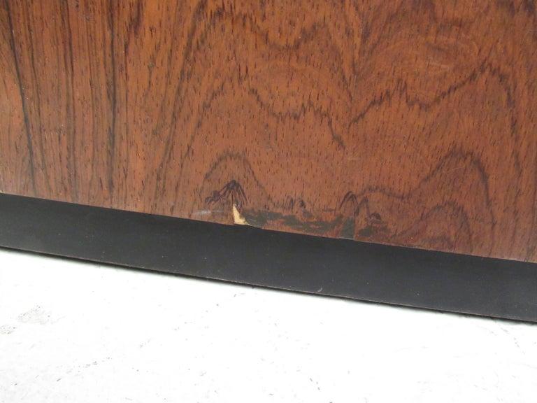 Vintage Milo Baughman Rosewood Frame Sofa for Thayer Coggin For Sale 1