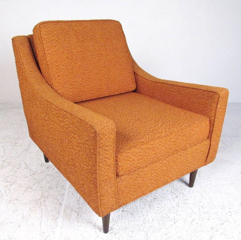 Pair Mid-Century Modern Lounge Chairs For Sale 1