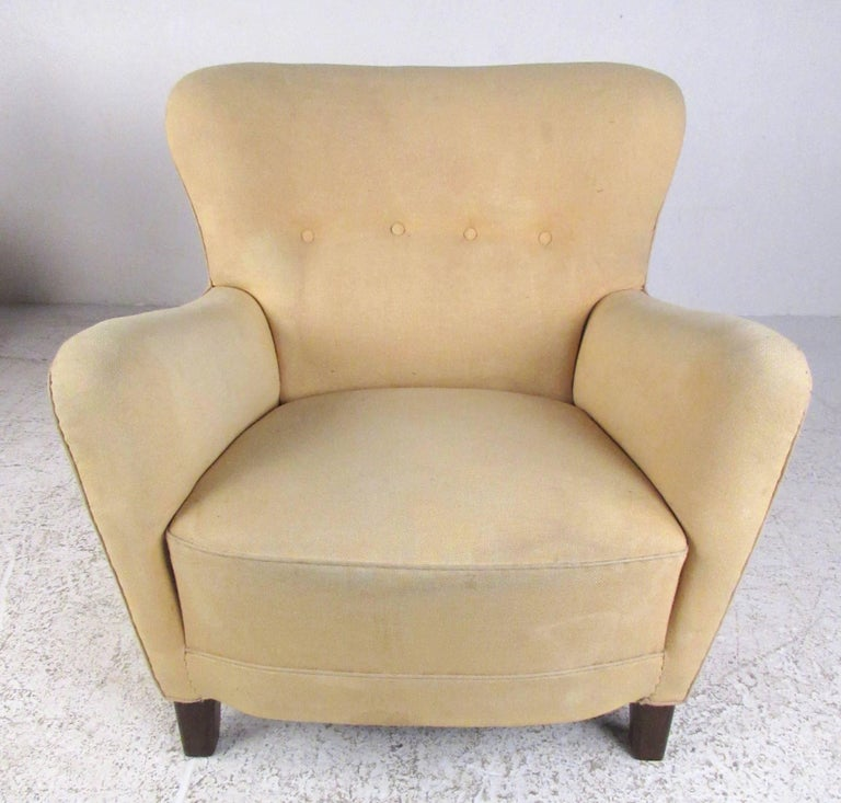 Pair of Art Deco Style Lounge Chairs For Sale 1