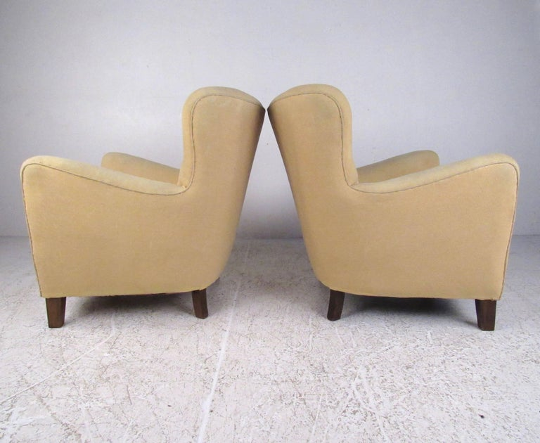 Mid-20th Century Pair of Art Deco Style Lounge Chairs For Sale