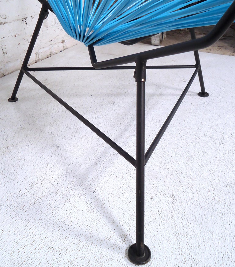 Mid-20th Century Vintage Modern Acapulco Chair For Sale