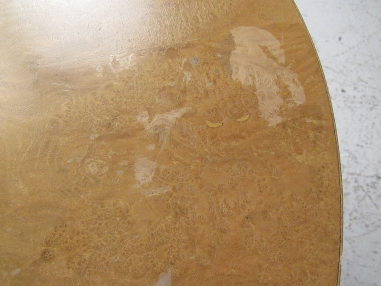 Pair of Mid-Century Modern Cylinder End Tables in Burl Finish For Sale 6