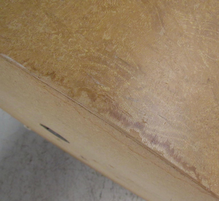 Pair of Mid-Century Modern Cylinder End Tables in Burl Finish For Sale 7