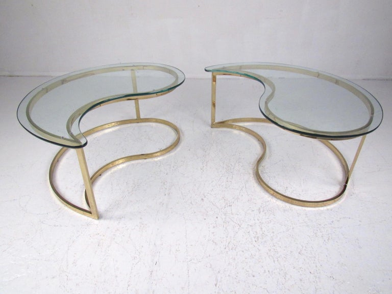 Contemporary Pair of Modern Kidney Shaped End Tables For Sale