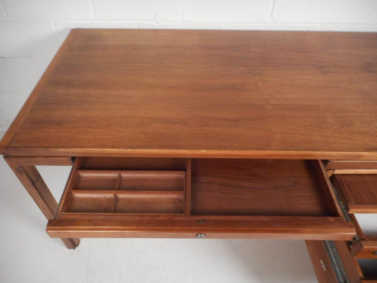 Jens Risom Executive Desk with a Finished Back For Sale 2