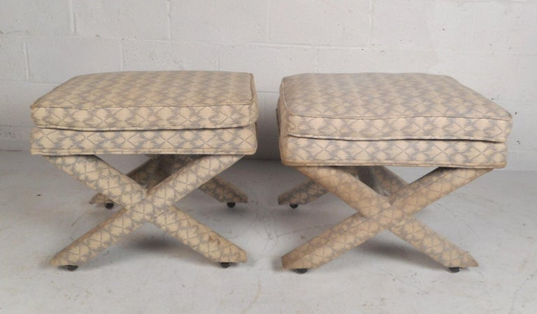 Pair of Midcentury Billy Baldwin Style Ottomans In Good Condition For Sale In Brooklyn, NY