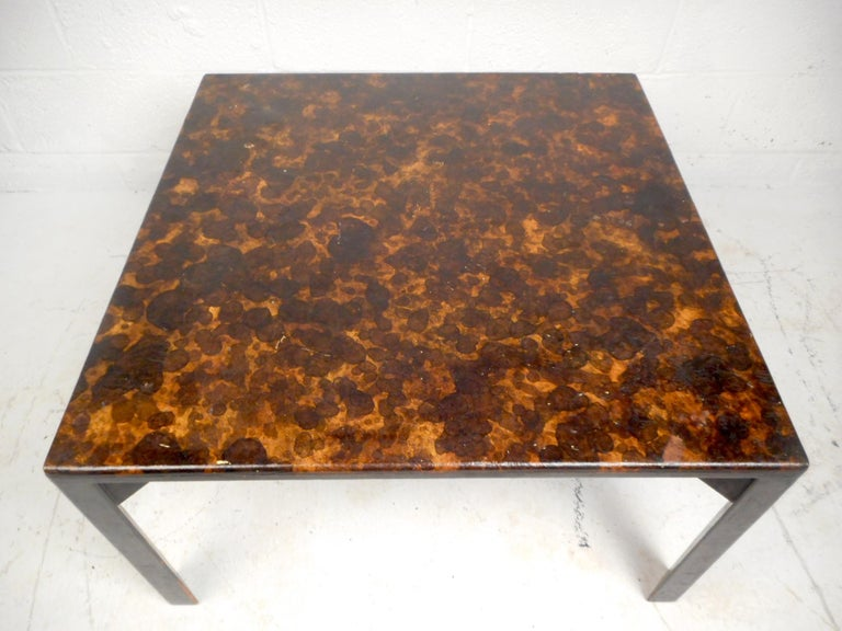 Mid-Century Modern Dunbar Coffee Table In Good Condition For Sale In Brooklyn, NY