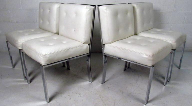 Mid-Century Modern Dining Chairs attributed to Milo Baughman For Sale 1