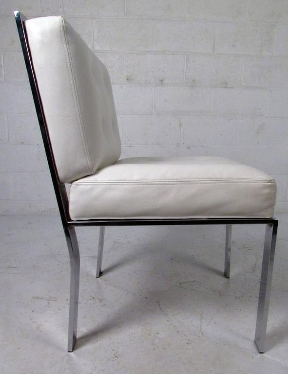 Mid-Century Modern Dining Chairs attributed to Milo Baughman In Good Condition For Sale In Brooklyn, NY