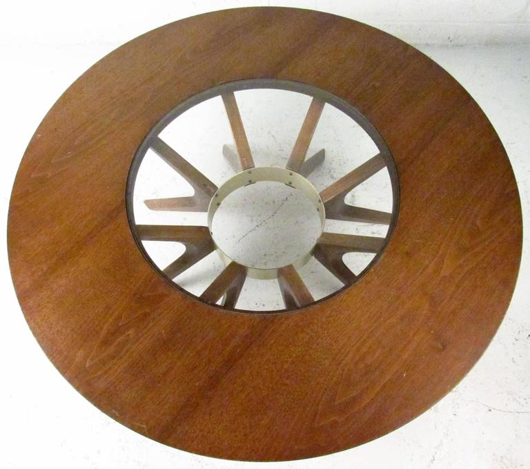 Mid-Century Modern Broyhill Brasilia Cathedral Coffee Table For Sale 2