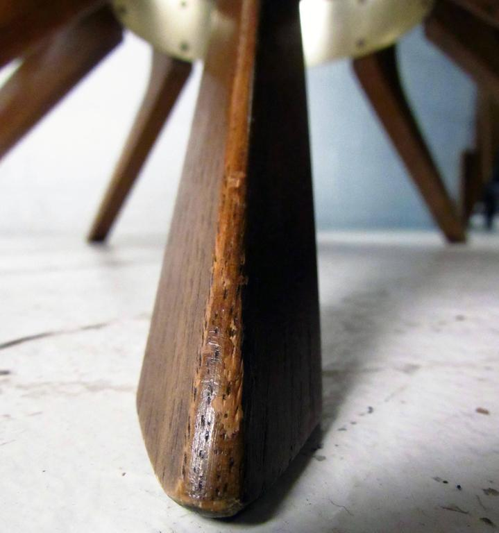 Mid-Century Modern Broyhill Brasilia Cathedral Coffee Table For Sale 4