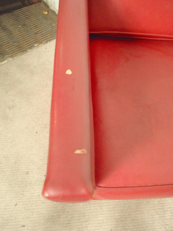 Pair Mid-Century Modern Lounge Chairs, Yellow and Red For Sale 1