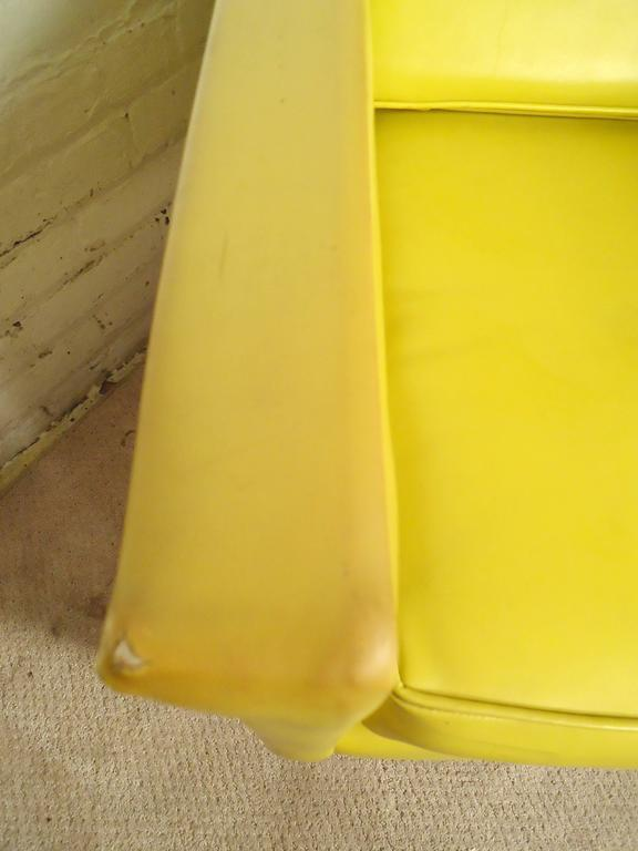 Mid-20th Century Pair Mid-Century Modern Lounge Chairs, Yellow and Red For Sale