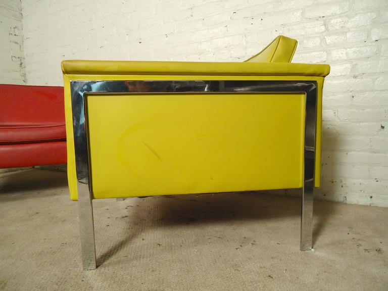Pair Mid-Century Modern Lounge Chairs, Yellow and Red In Good Condition For Sale In Brooklyn, NY