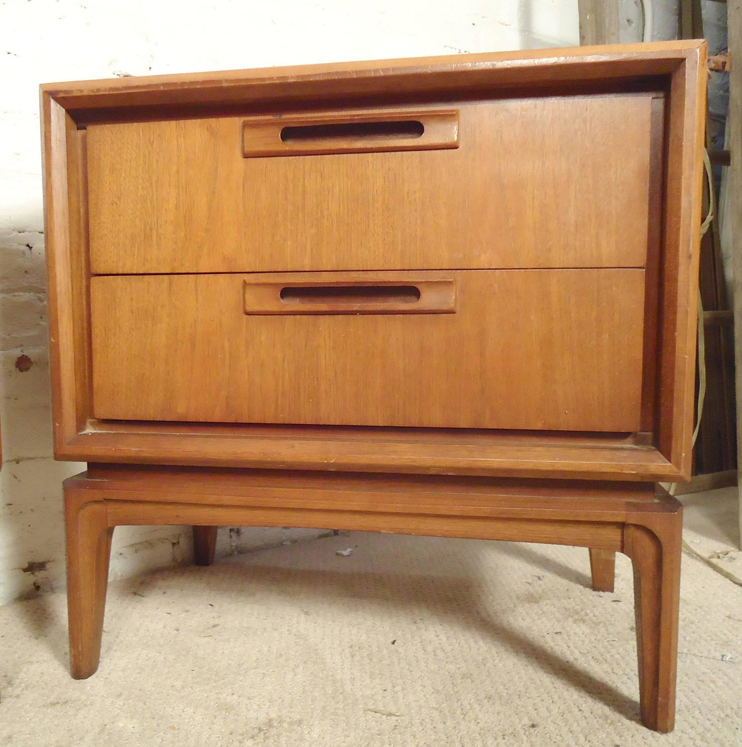 Mid century modern nightstands at 1stdibs