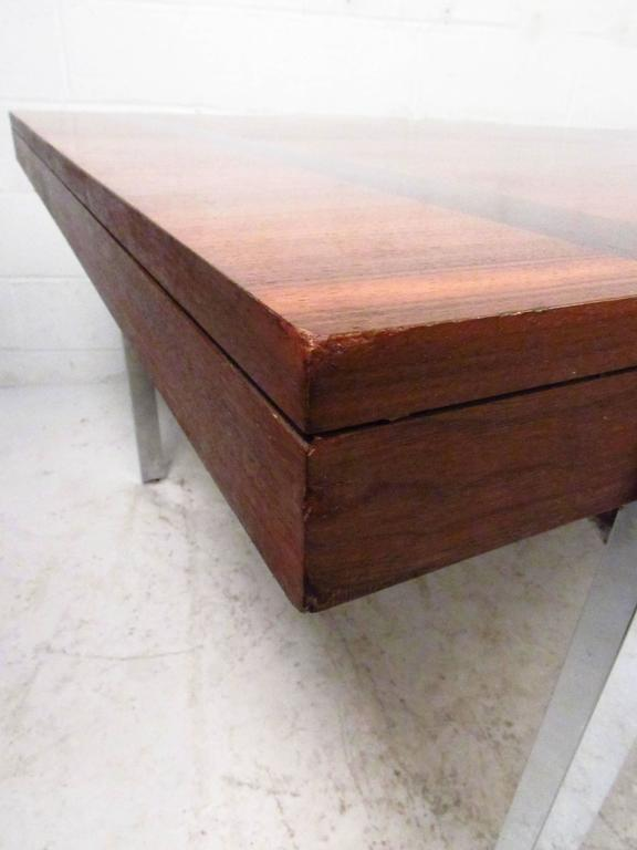Vintage Modern Dining Table by Lane In Good Condition For Sale In Brooklyn, NY