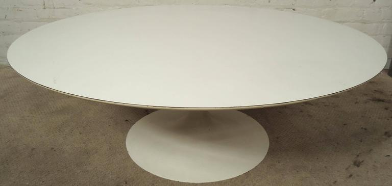 Vintage-modern tulip style coffee table designed for Knoll.  Please confirm item location NY or NJ with dealer.