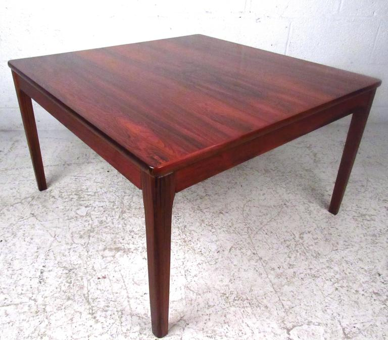 Mid-Century Modern Rosewood Coffee Table For Sale At 1stdibs