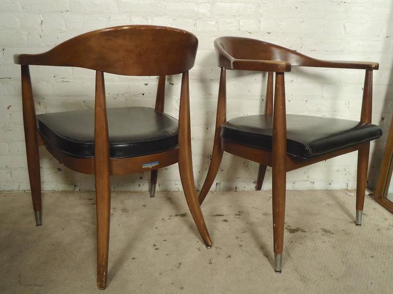 Amazing Pair Of Mid Century Modern Round Back Chairs At 1Stdibs Uwap Interior Chair Design Uwaporg