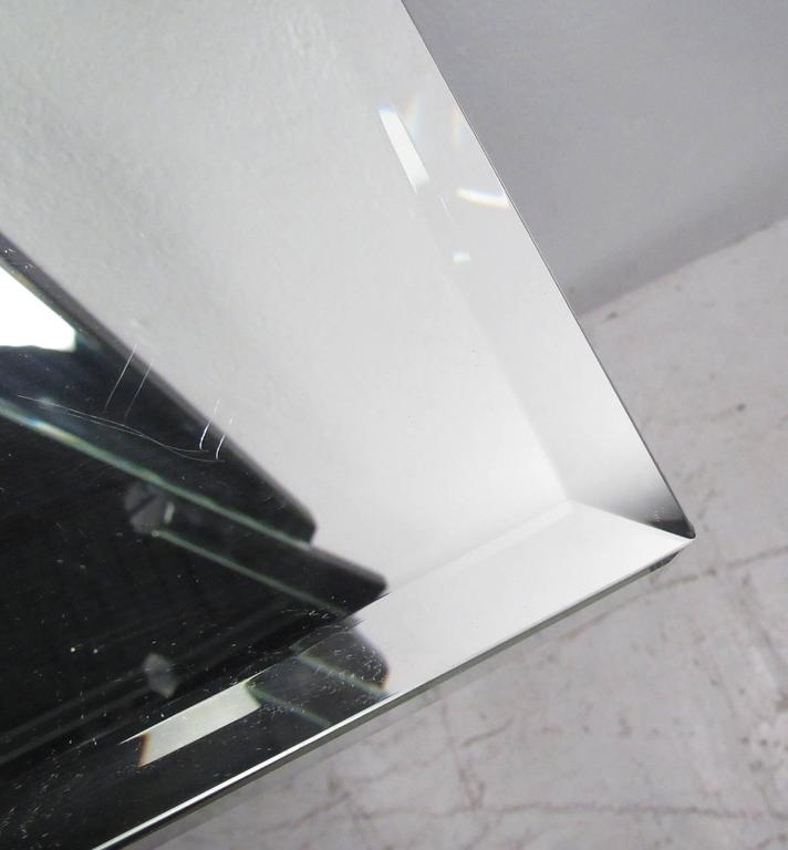 Mid-Century Modern Style Mirrored Console Table with Wall Mirror For Sale 2