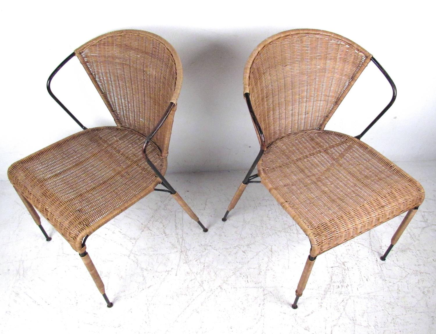 Set Of Mid Century Modern Wicker Seat Umanoff Style Dining Chairs At 1stdibs