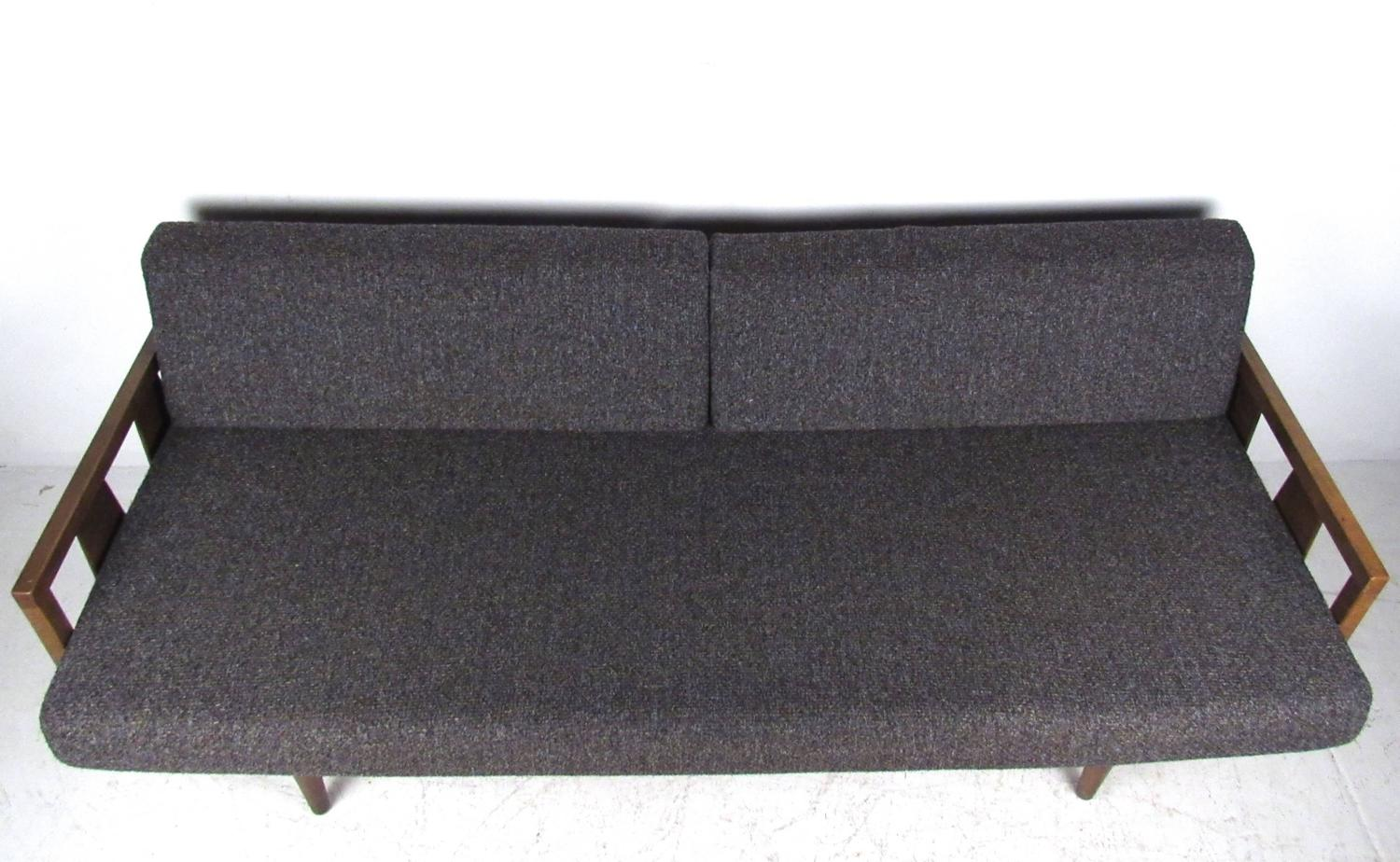 Unique Mid Century Modern Daybed Sofa For Sale At 1stdibs