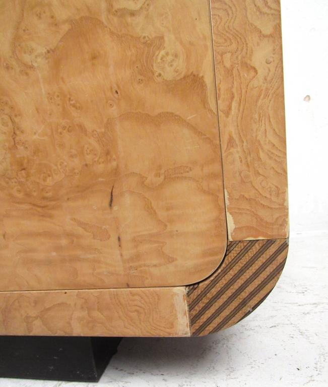 Mid-Century Modern Burl Wood Credenza by Henredon For Sale 2