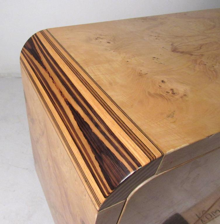 Mid-Century Modern Burl Wood Credenza by Henredon For Sale 1