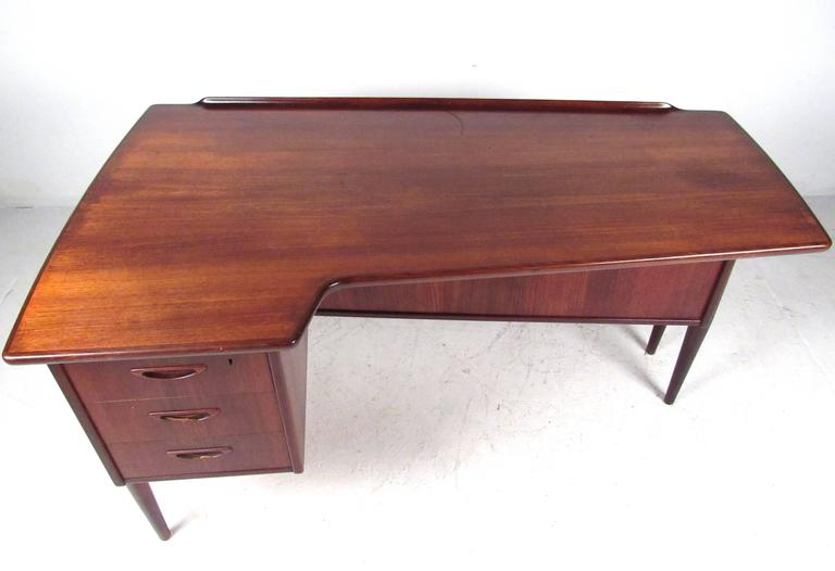 Stylish Mid-Century Modern Danish Teak Desk 7