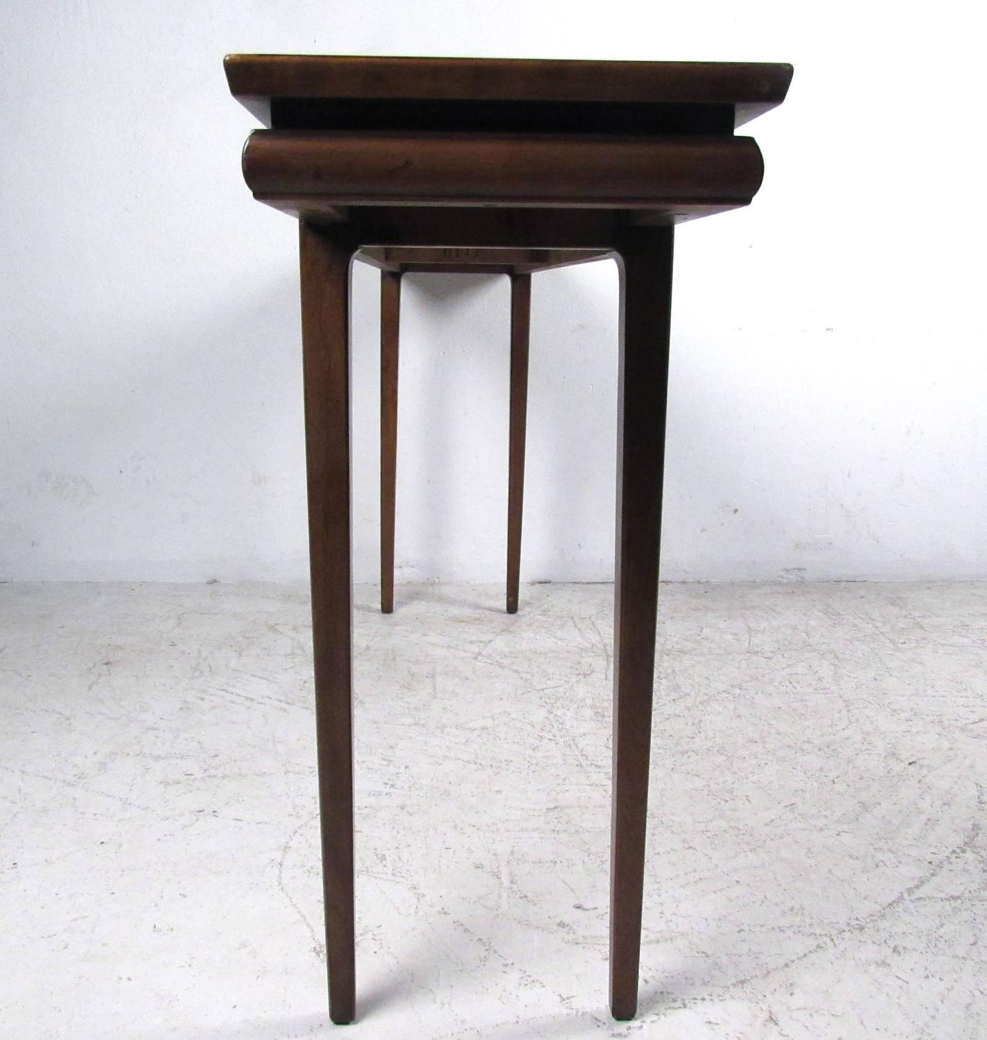 Mid Century Modern Console Table: Mid-Century Modern American Walnut Console Table At 1stdibs