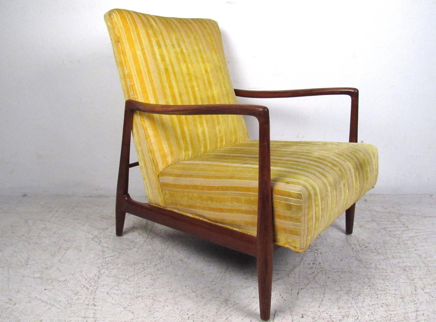 mid century modern danish style walnut lounge chair at 1stdibs