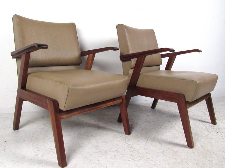 Mid-Century Modern Pair Vintage Modern Italian Armchairs  For Sale