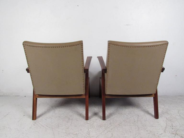 Pair Vintage Modern Italian Armchairs  In Good Condition For Sale In Brooklyn, NY
