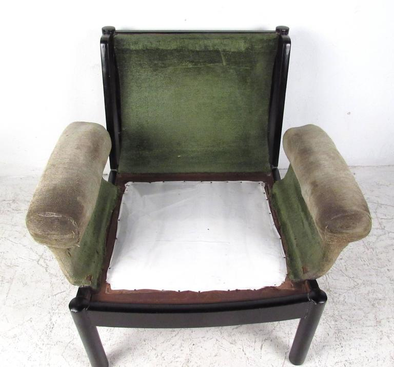 Mid-Century Modern Tufted Side Chair For Sale 1