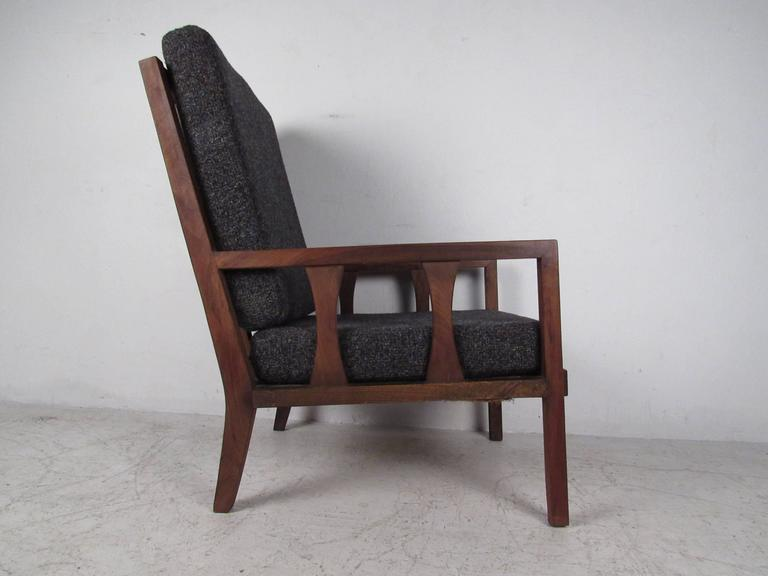 Late 20th Century Mid-Century Modern Arm Chair For Sale