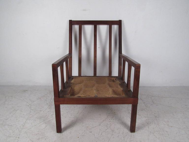 Mid-Century Modern Arm Chair For Sale 2