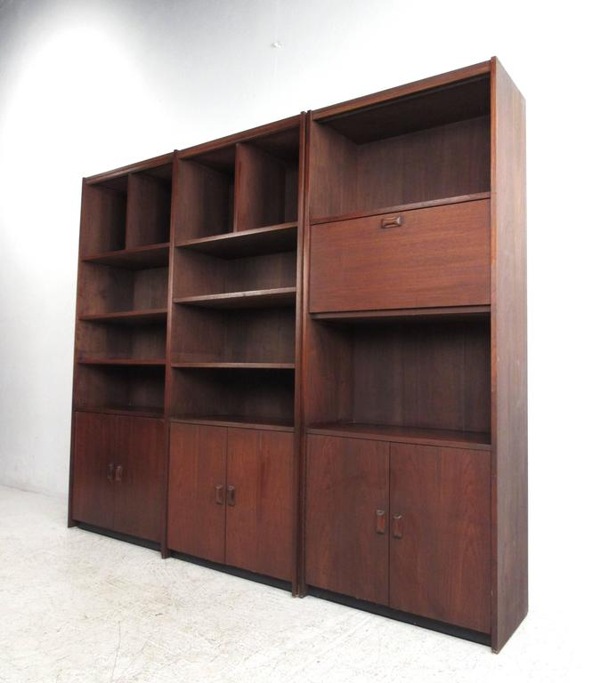 Mid Century Modern Wall Unit Vintage Bookcase with