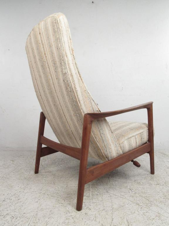 Folke Ohlsson Reclining Lounge Chair for DUX In Good Condition For Sale In Brooklyn, NY