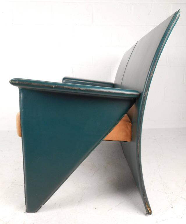 Late 20th Century Mid-Century Modern Italian Leather Settee For Sale