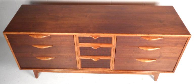 Mid-Century Modern Walnut Dresser by Warren Church for Lane In Good Condition For Sale In Brooklyn, NY