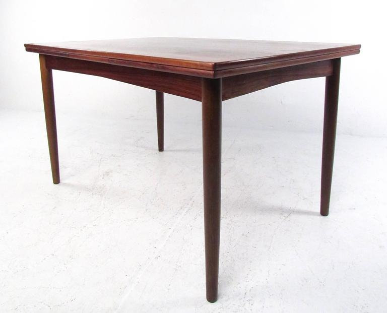 Mid Century Danish Rosewood Expandable Dining Table by NO  : IMG7050copyl from www.1stdibs.com size 768 x 621 jpeg 32kB
