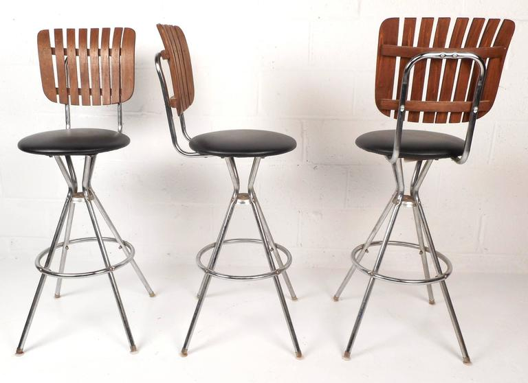 Set Of Five Mid-Century Modern Swivel Bar Stools For Sale