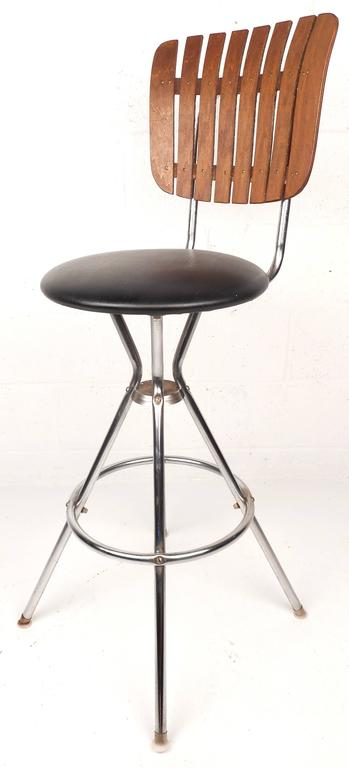 Set Of Five Mid Century Modern Swivel Bar Stools For Sale
