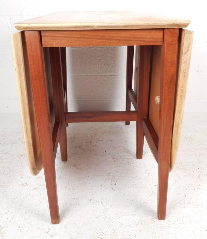 Late 20th Century Mid-Century Modern Gate Leg Dining Table For Sale