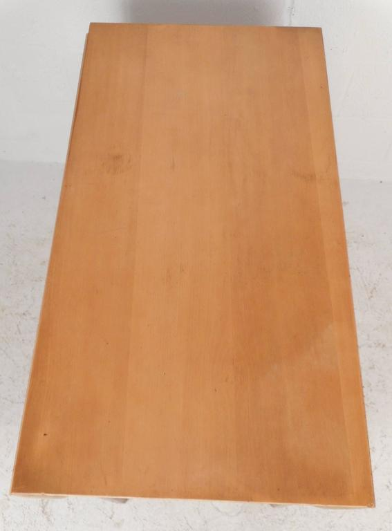 Maple Mid-Century Modern Gate Leg Dining Table For Sale