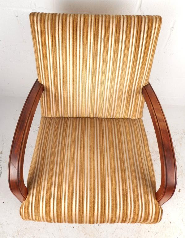 Late 20th Century Mid-Century Modern Lounge Chair For Sale