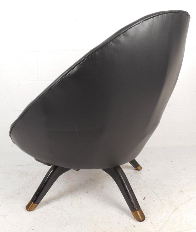Late 20th Century Mid-Century Modern Overman Style Swivel Pod Chair For Sale